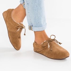Ugg Camel Suede Sheep Wool Lined Lace Up Moccasin